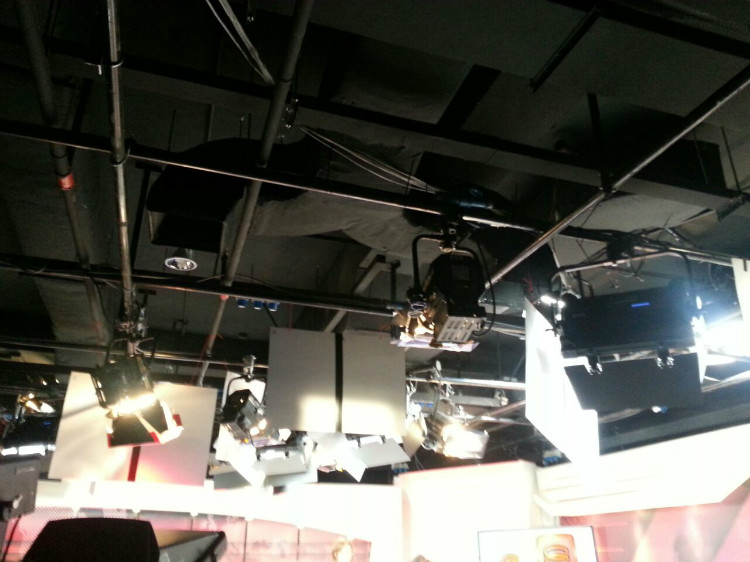 8TV NEWS STUDIO-2.jpg