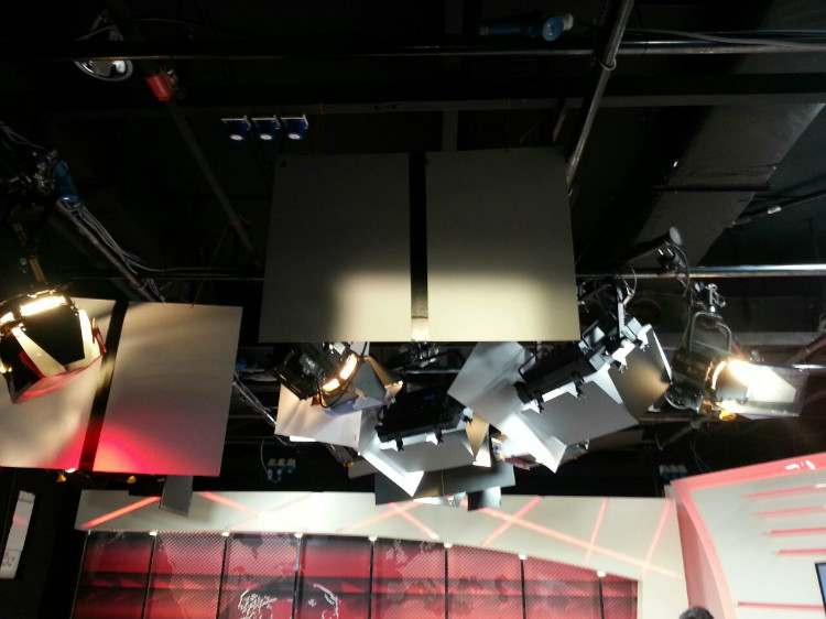 8TV NEWS STUDIO-4.jpg